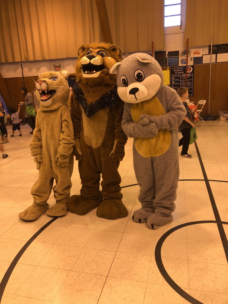 Chewy, Roary and the Ishi Cougar